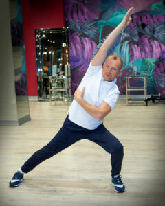 Преподаватель цигун школы танцев Adornos Center Геннадий Оборин